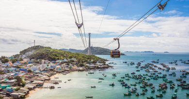 Pho Quoc cable car to pineapple island Hon Tho,